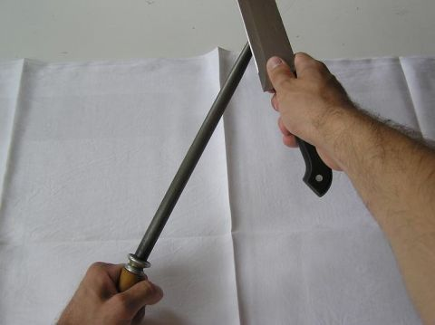Obtahování nože ocílkou